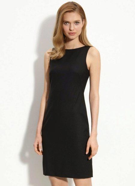 Черное классическое платье-футляр