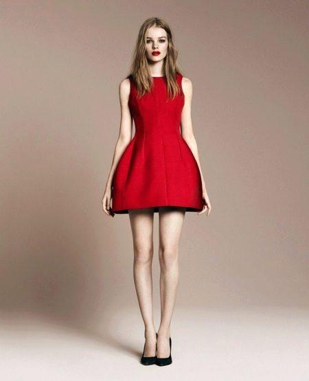 Красное платье из неопрена