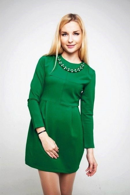 Короткое зеленое платье из полиэстера с длинным рукавом