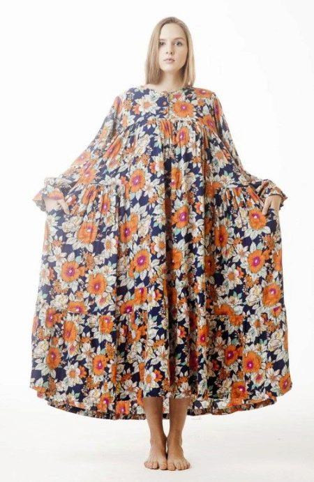 Длинное легкое платье из штапеля в крестьянском стиле