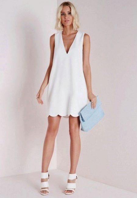 Белое короткое платье из вискозы
