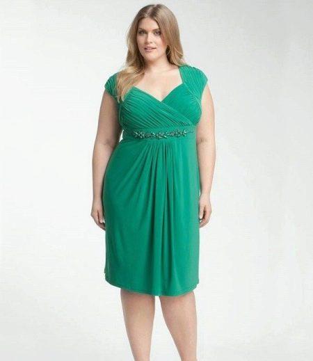 Платье средней длины из вискозы для полных девушек