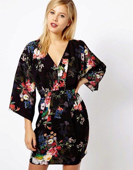 Блестящее платье кимоно