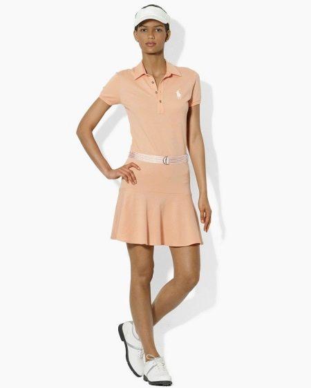 Полуоблегающее бежевое платье-поло