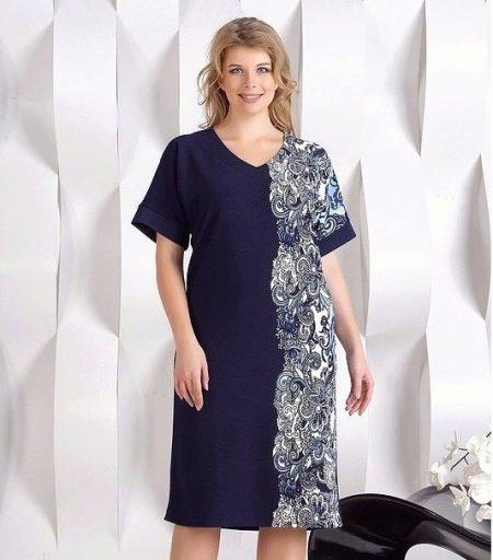 Платье с принтом прямого силуэта для полных