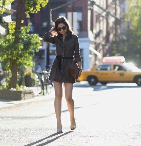 Короткое платье-рубашка цвета хаки