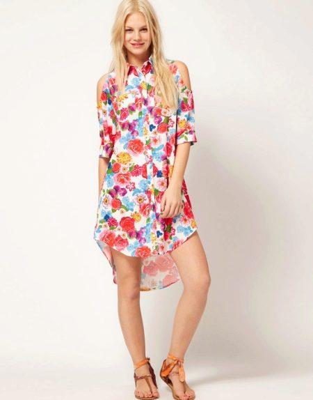 Короткое платье-рубашка с принтом