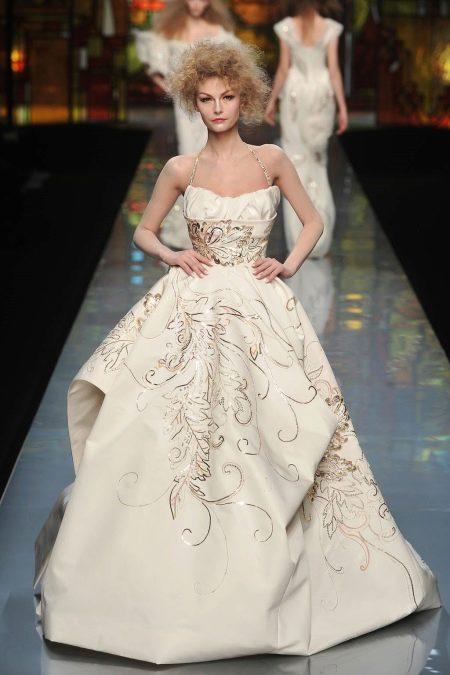 Платье с корсетом модное
