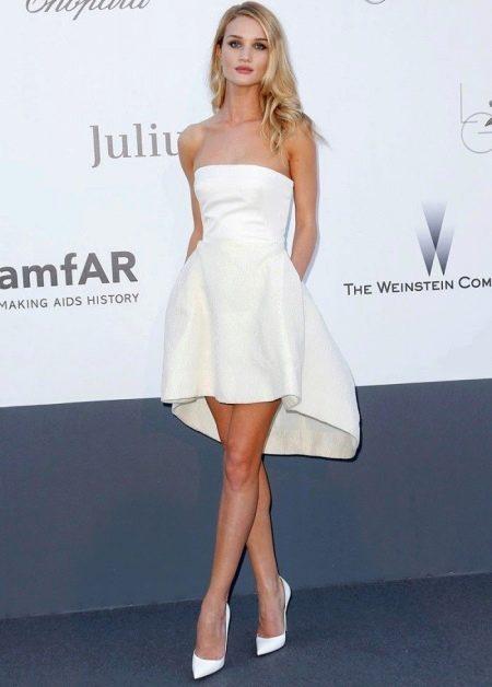 Платье с юбкой полусолнце с асимметричным низом для стройных женщин