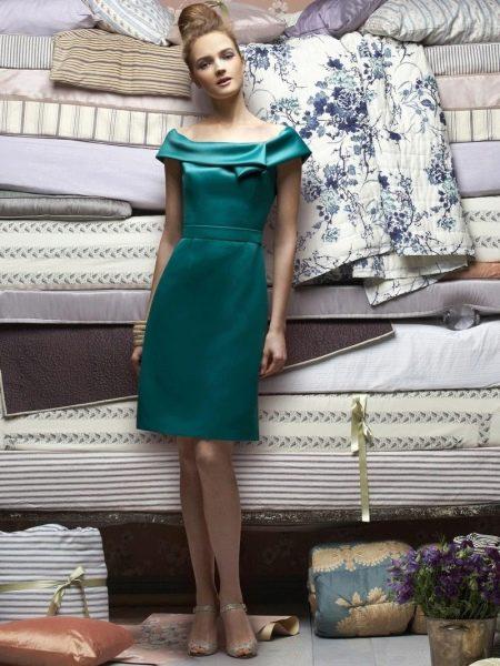 Платье-шифт в ретро-стиле