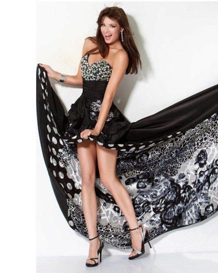 Черное платье со съемным шлейфом