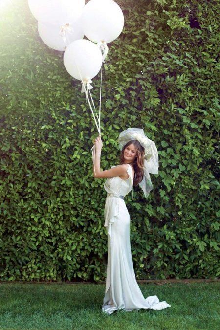 Воздушное платье со шлейфом