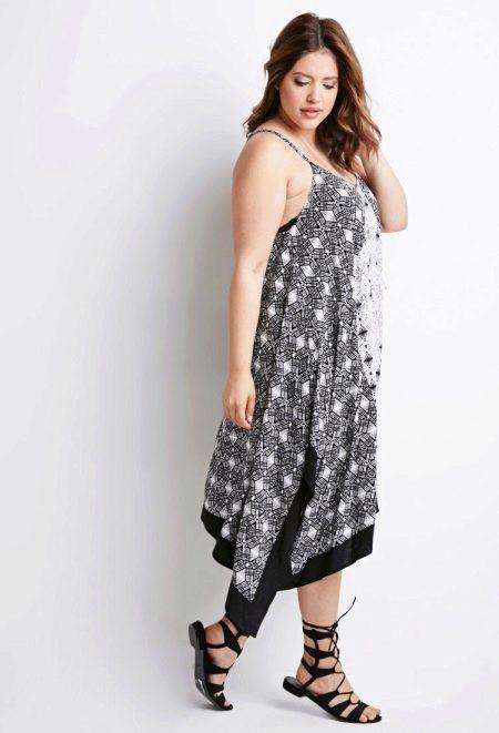 Многослойное платье трапеция для полных