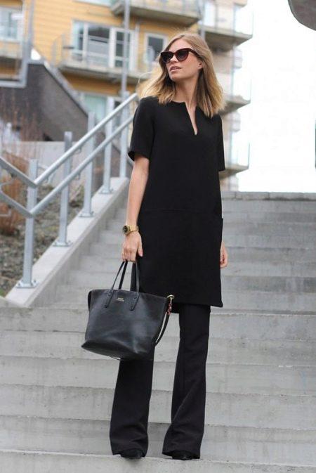 Черная туника с брюками