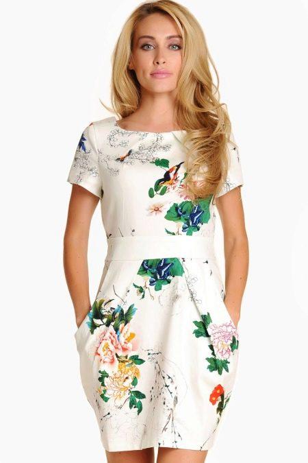Платье фасона тюльпан с вырезом лодочка