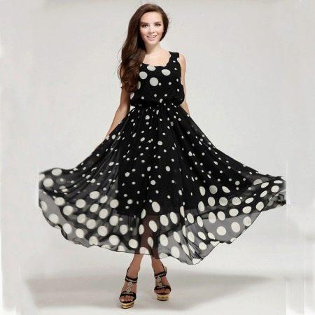 cafa1aeae16 Черное-белое платье в горошек разного размера