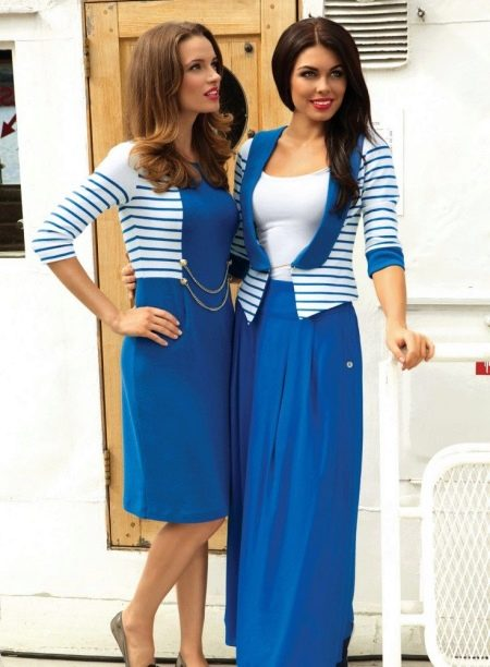 Платья в морском стиле бело-синие
