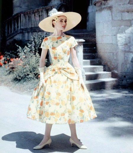 Цветастое платье Одри Хепберн