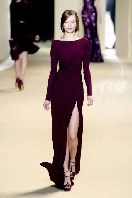 Вечернее платье с длинными рукавами и разрезом