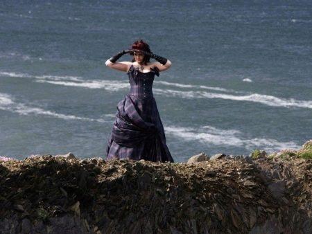 Длинное платье в клетку для полных женщин