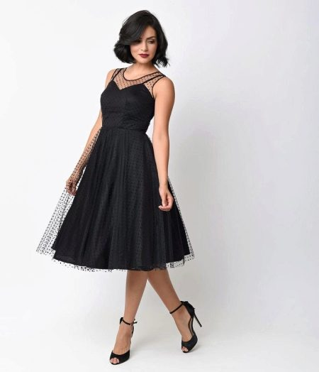 Пышное черное платье в стиле 50-х