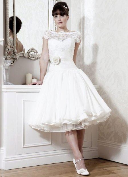 Свадебное пышное платье в стиле 50-х