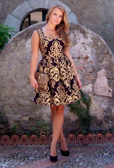 Повседневное платье в стиле барокко