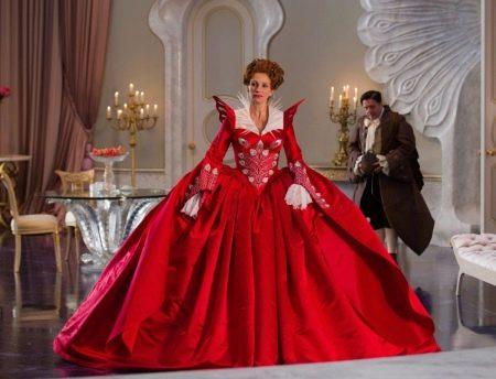 Пышное красное платье в стиле барокко