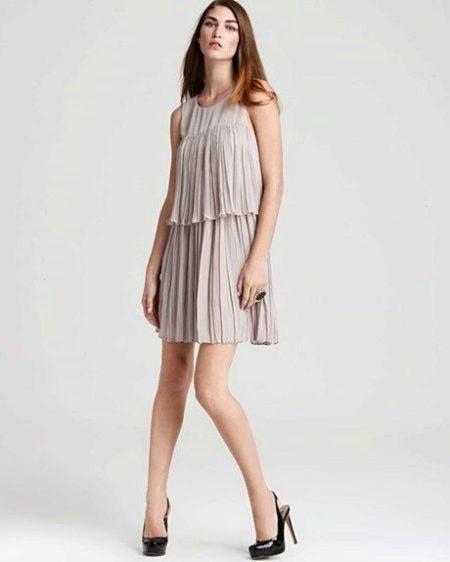 Многоярусное плиссированное платье