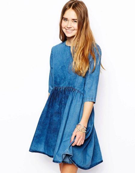 Повседневное синее платье из тонкой джинсы