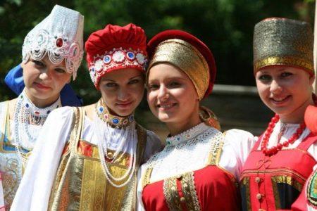 Аксессуары и украшения к русскому сарафану