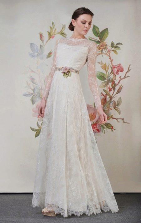 Cкромное свадебное платье