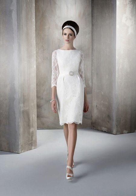 Свадебное платье футляр и украшения