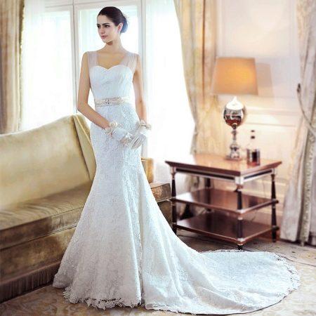 Аксессуары к свадебному платью футляр со  шлейфом