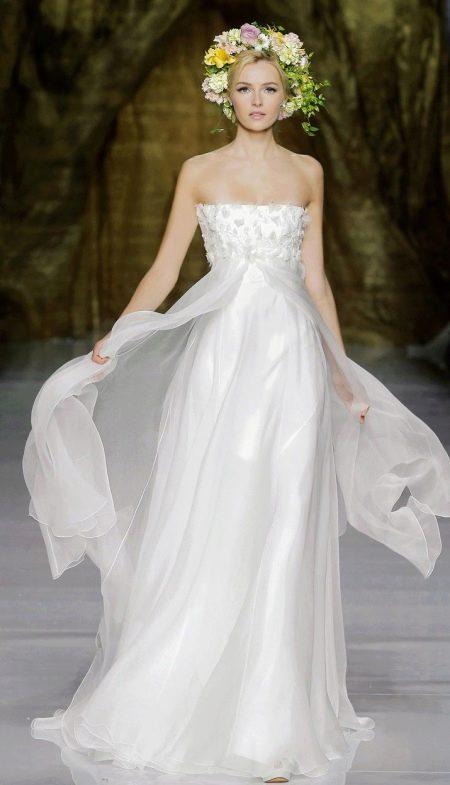 Красивое свадебное платье с завышенной талией