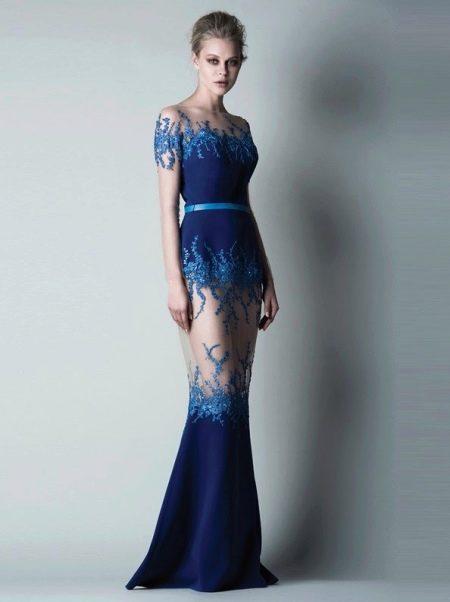 Красивое темно-синее вечернее платье с прозрачными элементами