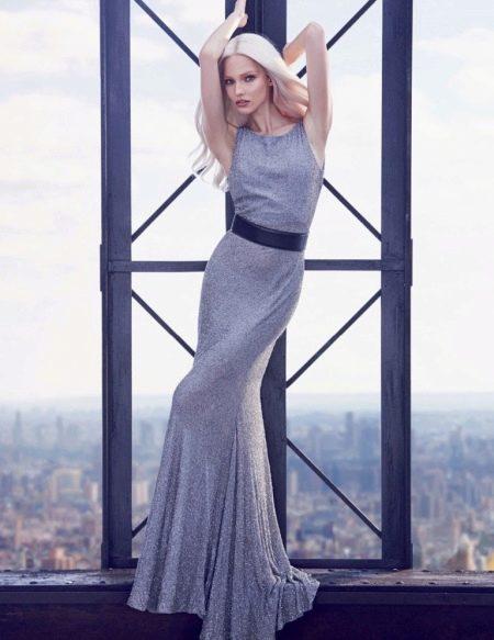 Трикотажное серое платье блестящее