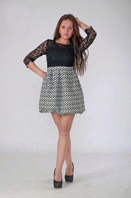 Платье с трикотажной юбкой