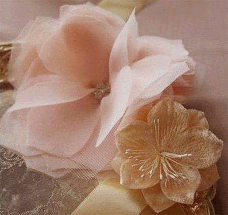 Пример цветка из органзы