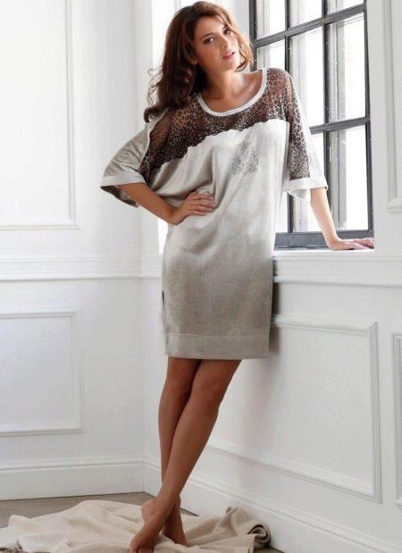 Домашнее платье свободного кроя из велюра