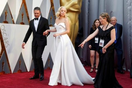 Леди Гага на красной дорожке Оскара 2016
