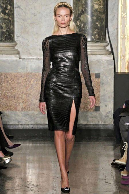 Кожаное платье с прозрачным рукавом