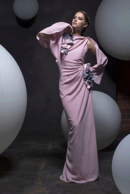 Летнее платье футляр с драпировкой