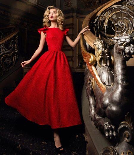 Осеннее платье  красное