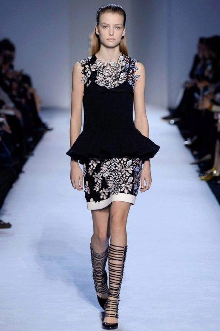Осеннее платье с баской