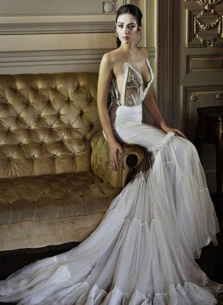 Платье без бретелей свадебное