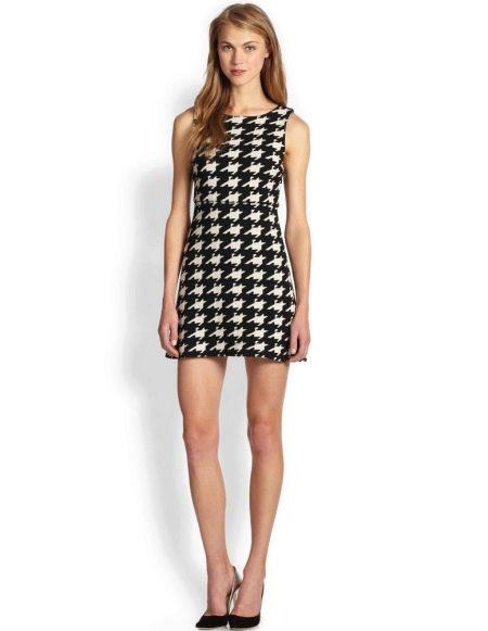 Черно-белое платье гусиные лапки