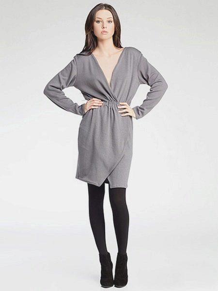 Трикотажное платье-халат с запахом