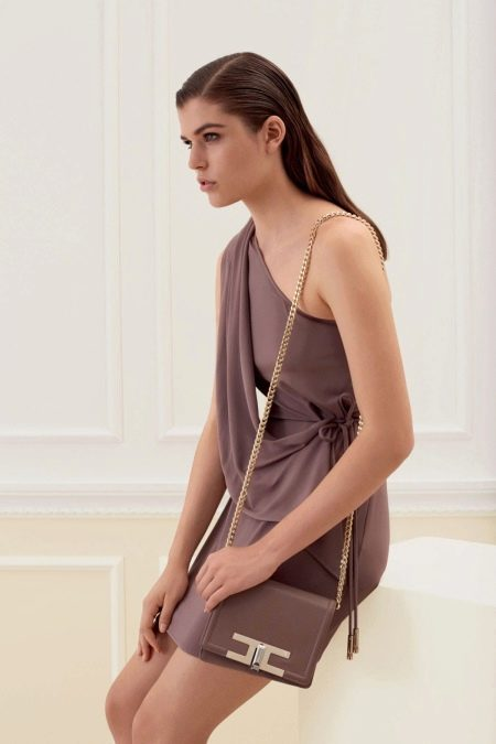 Платье из джерси на одно плечо