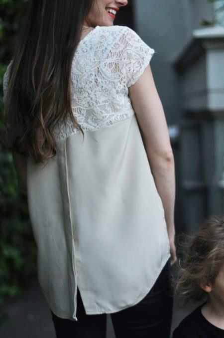 Платье  из мужской рубашки с кружевом